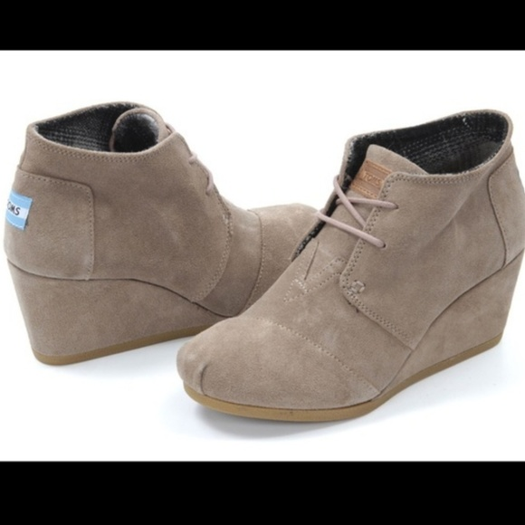 30607ffd219f TOMS Desert Wedge Bootie Taupe Suede 8W. M 5c367e56bb761589189f13bb